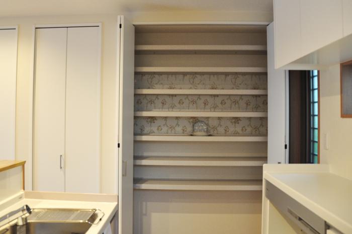 高槻 工務店 新築・建替え・アイアンを使ったナチュラル一戸建て食器棚