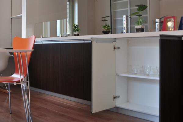高槻 工務店 新築・建替え・石橋邸収納付対面式キッチン