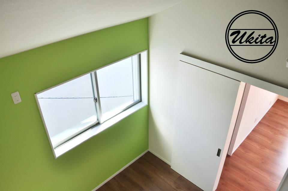 高槻市 工務店 新築・建替え・ガルバリウムのかっこいい家子供部屋ロフトからの眺め