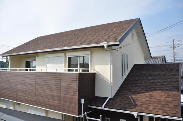 高槻 工務店 新築・建替え・石橋邸ファイバーグラスシングルリッジウェイの屋根