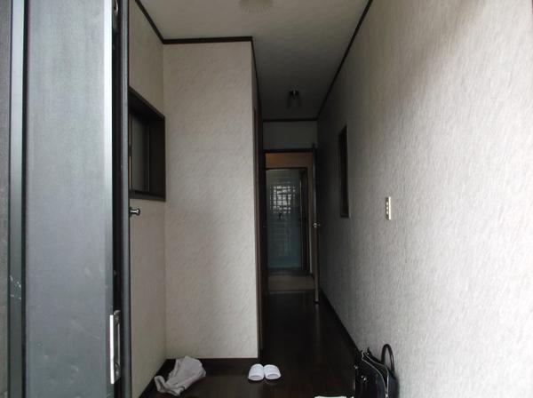 高槻 工務店 ・廊下のリフォーム前