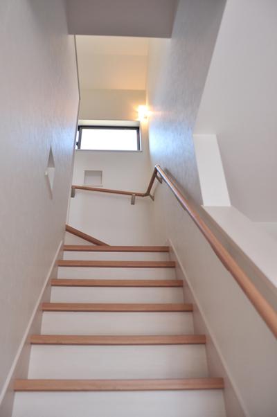 高槻 工務店 新築・建替え・ニッチのある階段