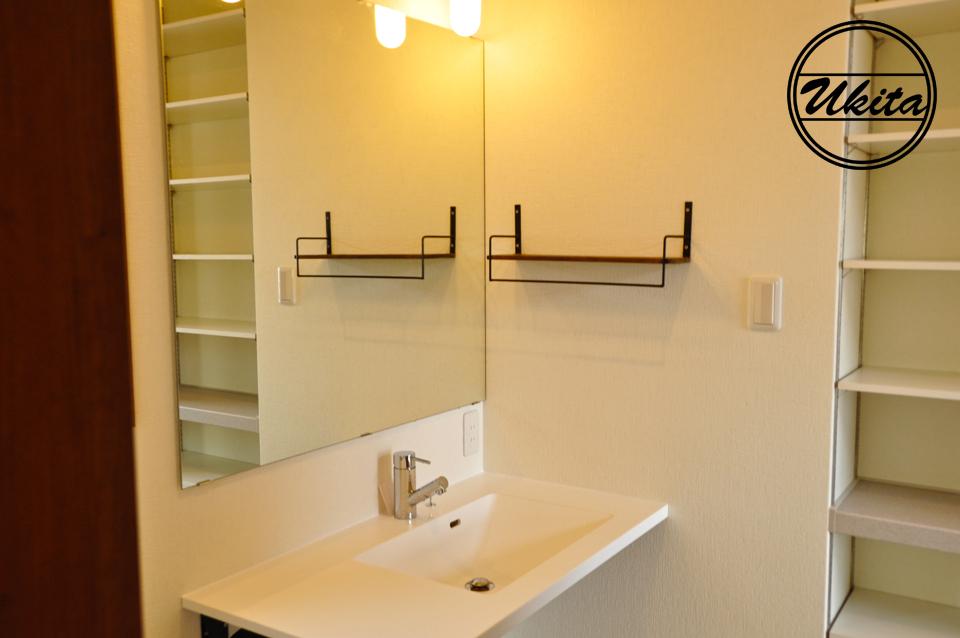 高槻市 工務店 新築・建替え・ウッドデッキのある家洗面所