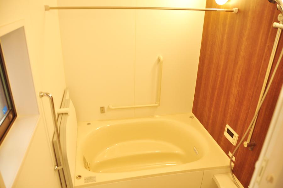 高槻 工務店 新築・建替え・ホームエレベーター付き住宅大きいお風呂
